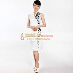 白色短裤修身旗袍