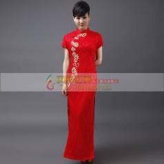 红色绣花长款旗袍