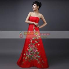 红色长款抹胸旗袍
